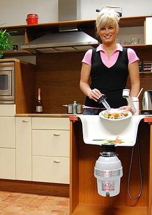 Kuchyň a drtič zbytků jídla